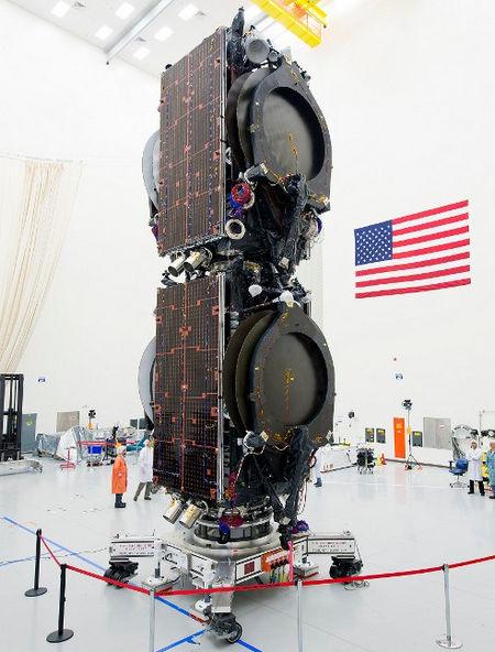Компания «Boeing Co» создала спутниковую платформу «BSS-702SP» с ионными двигателями