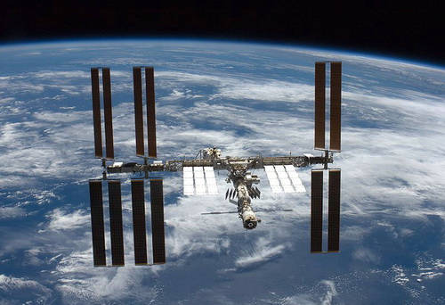 Почему российский сегмент МКС использует американскую связь